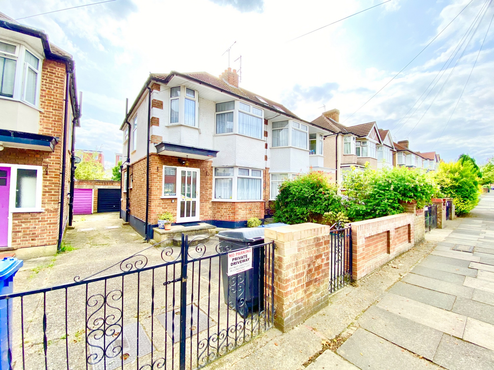 Woodfield Avenue  Colindale  NW9