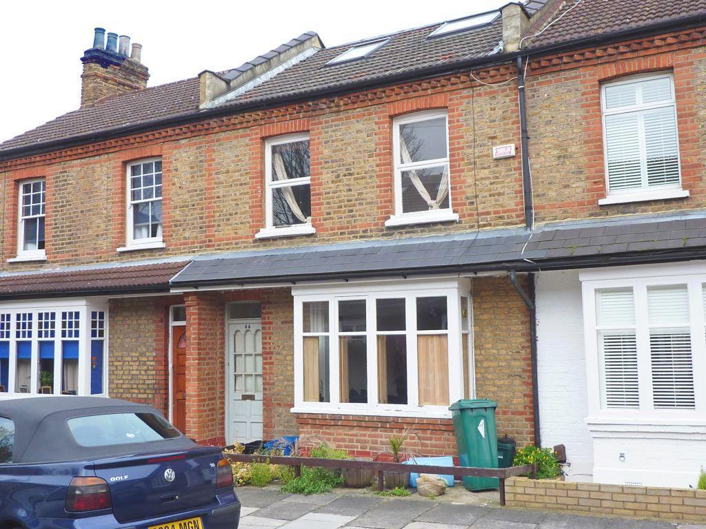 Lewin Road  East Sheen  London  SW14