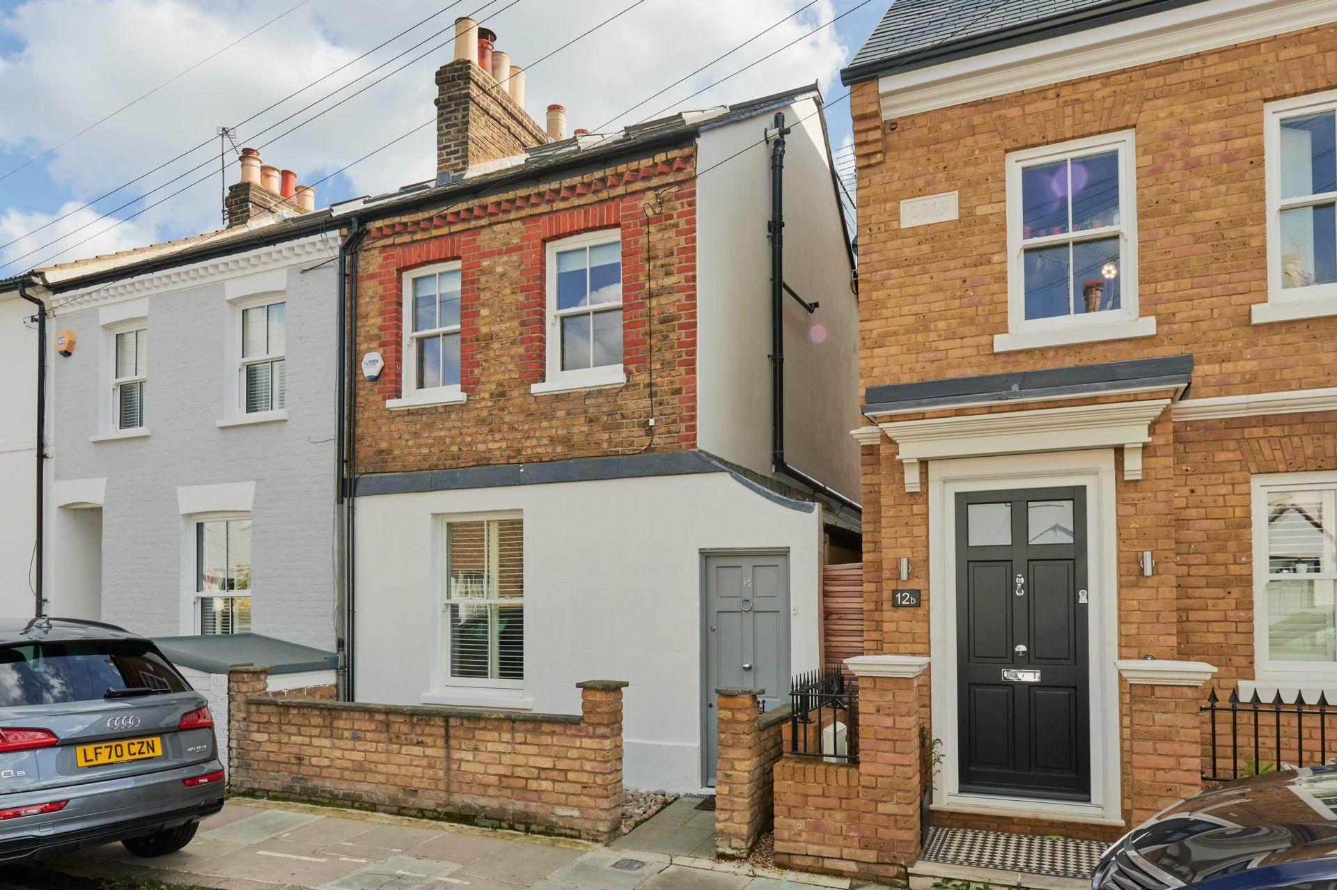 Westfields Avenue  Barnes  London  SW13