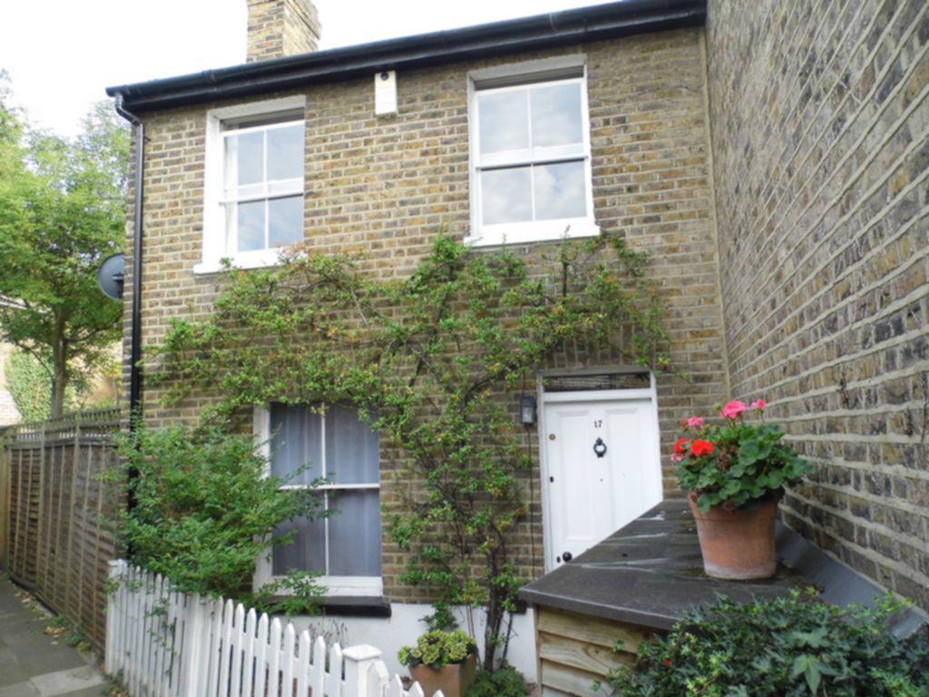 Thorne Passage  Barnes  London  SW13