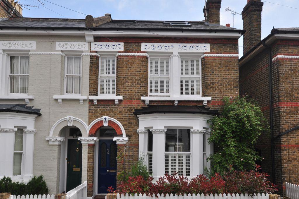 Cleveland Gardens  Barnes  London  SW13
