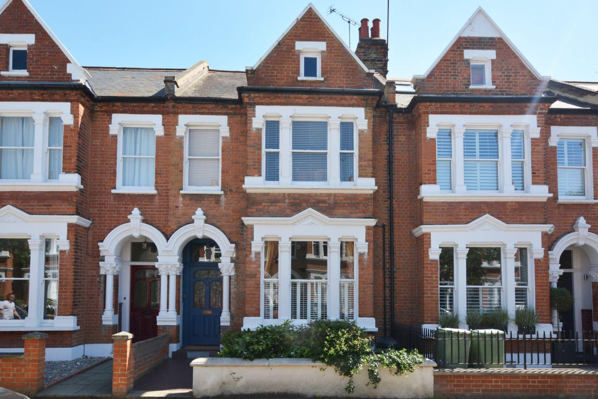 Elm Grove Road  Barnes  London  SW13
