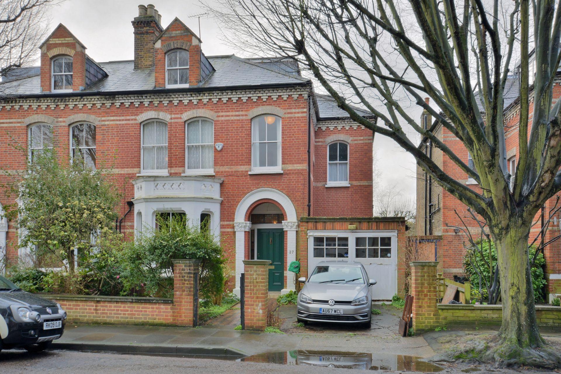 Woodlands Road  Barnes  London  SW13