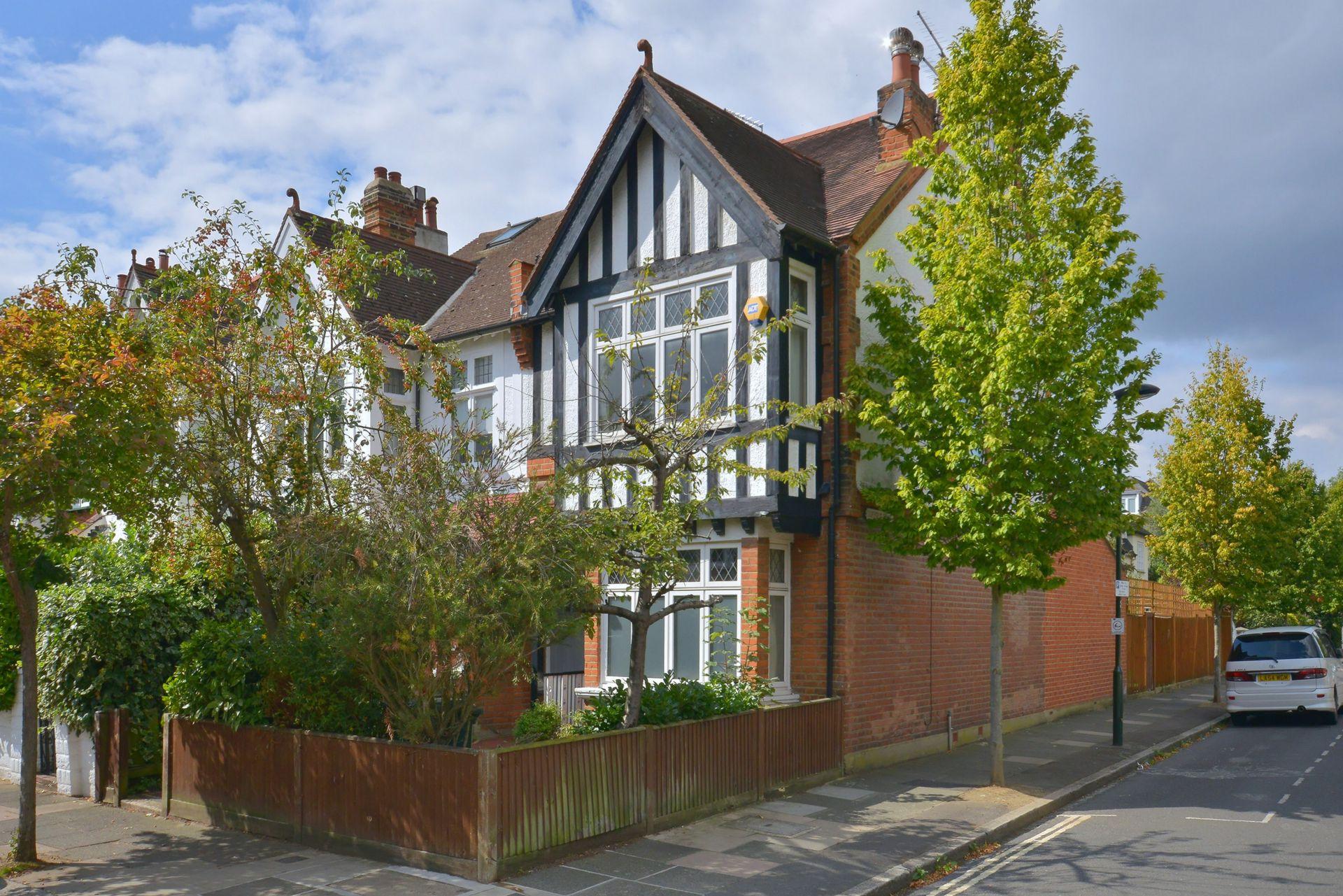 Madrid Road  Barnes  London  SW13