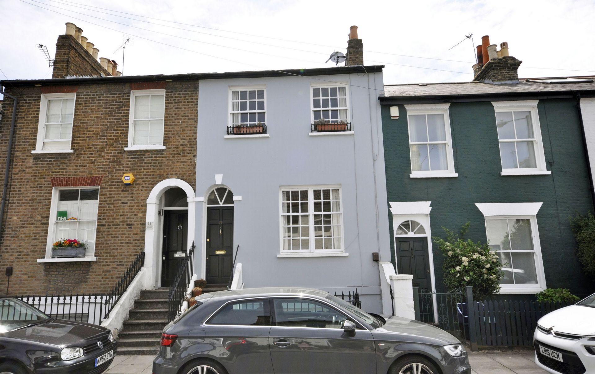 Archway Street  Barnes  London  SW13