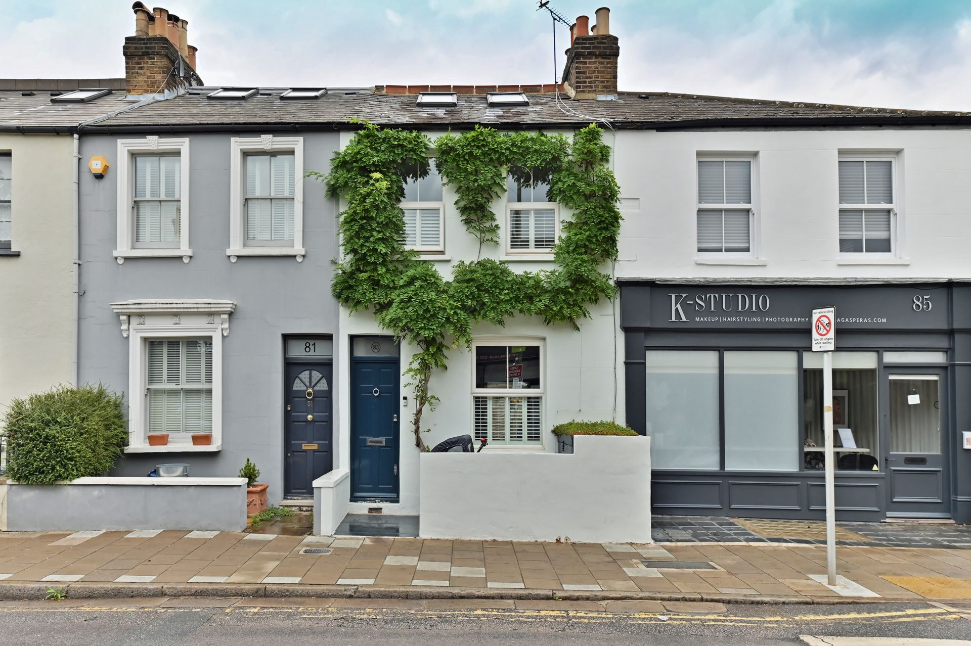 White Hart Lane  Barnes  London  SW13