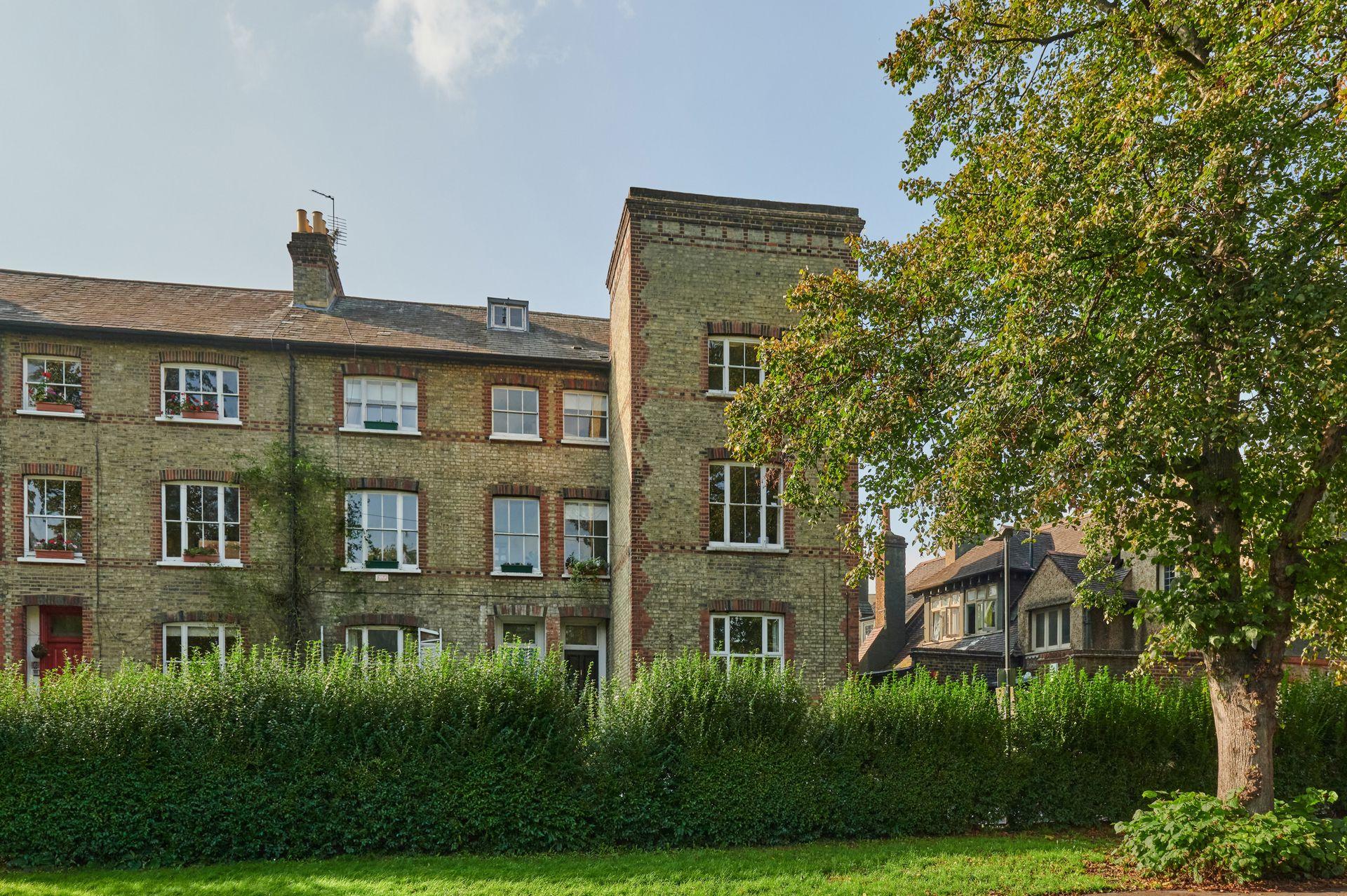 Cromwell Place  Mortlake  London  SW14