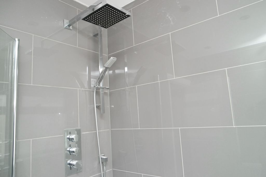 Triple shower valve