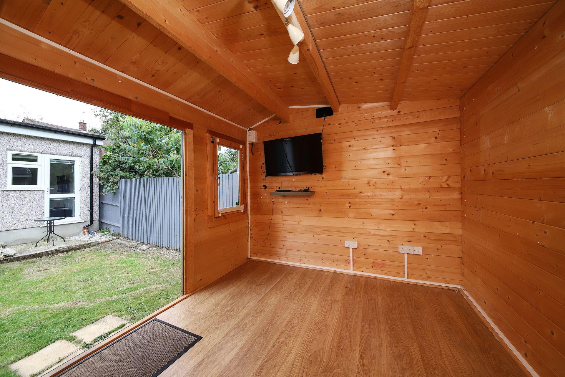 Office/Cabin