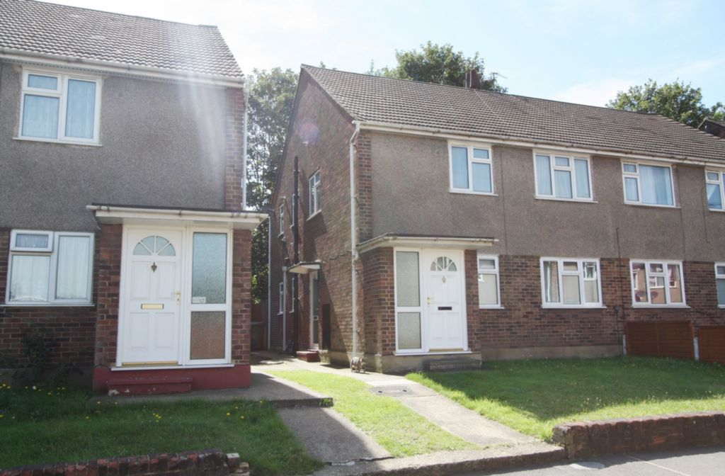 Photo 2, Ely Close, Erith, DA8