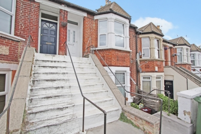 Photo 2, Riverdale Road, Erith, DA8
