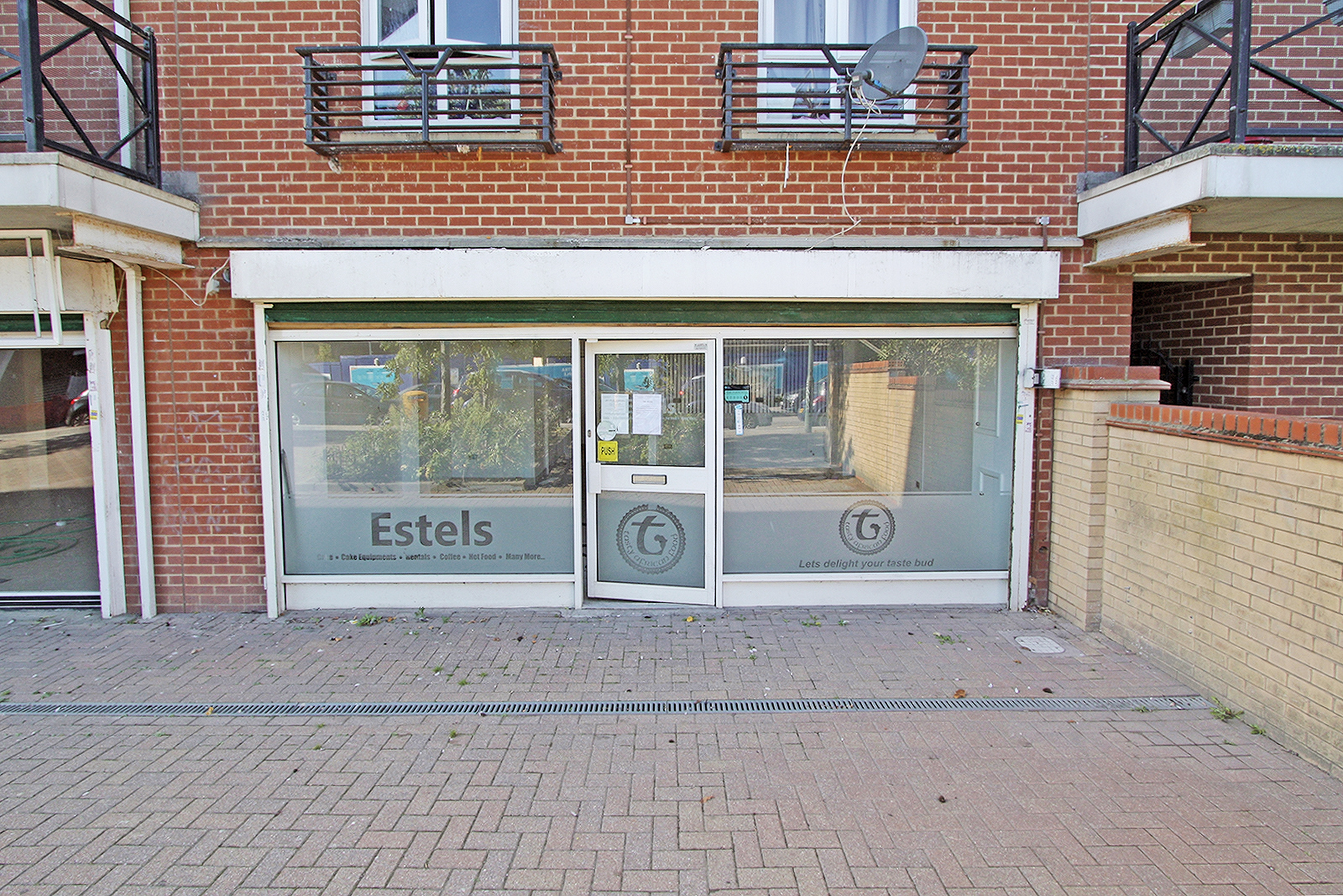 Photo 6, Unit 4 Felixstowe Road, Abbeywood, SE2
