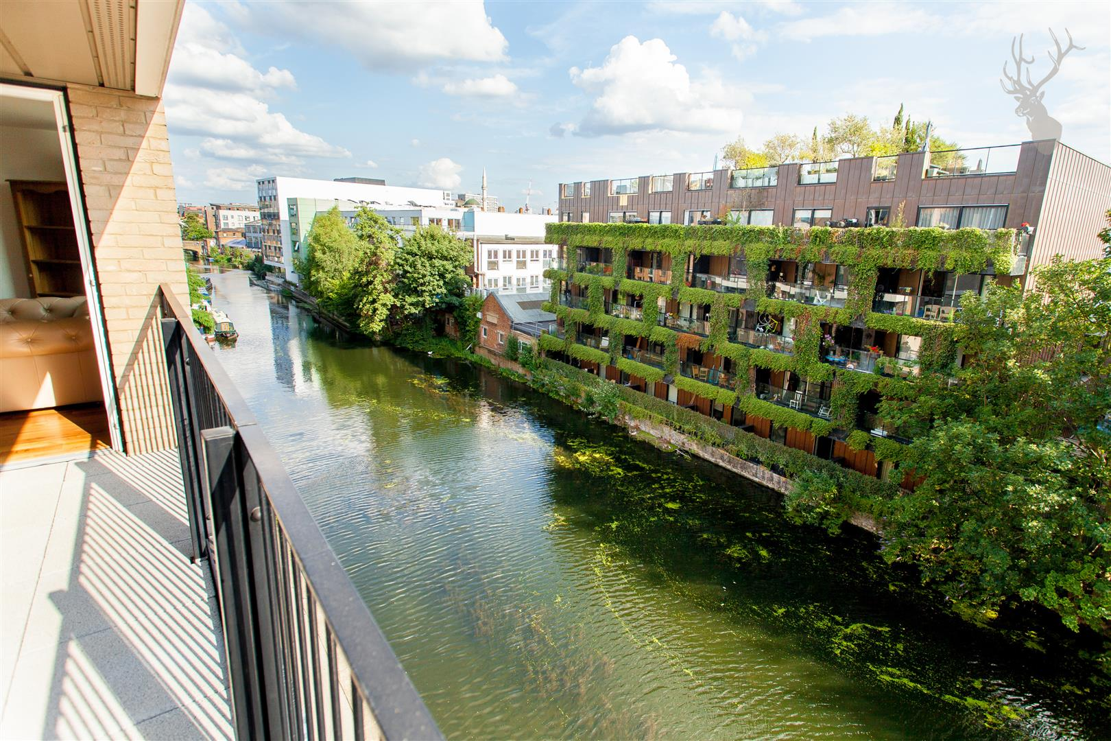Flat 23 Grand Canal Apartments (17).jpg