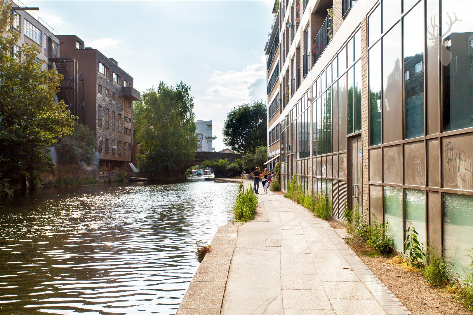 Flat 23 Grand Canal Apartments (19).jpg
