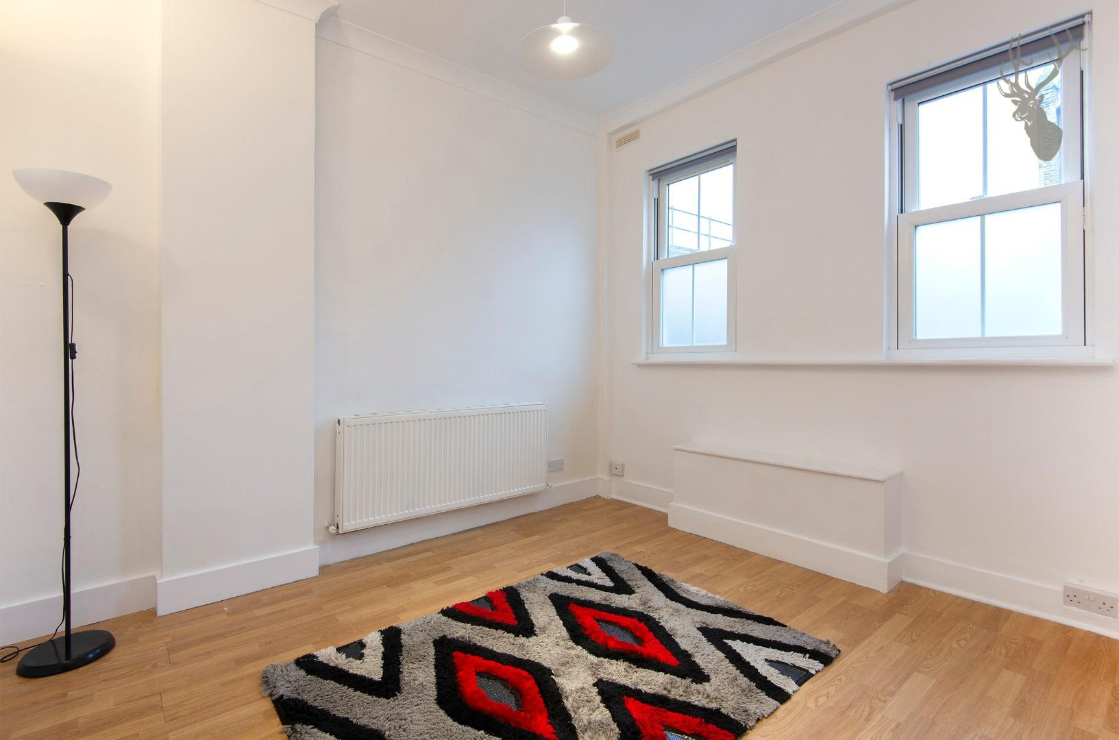 13a Middleton Road E8 RECEPTION img 1.jpg