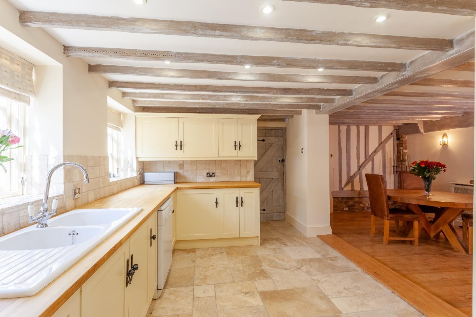 Kitchen iii (1 of 1).jpg