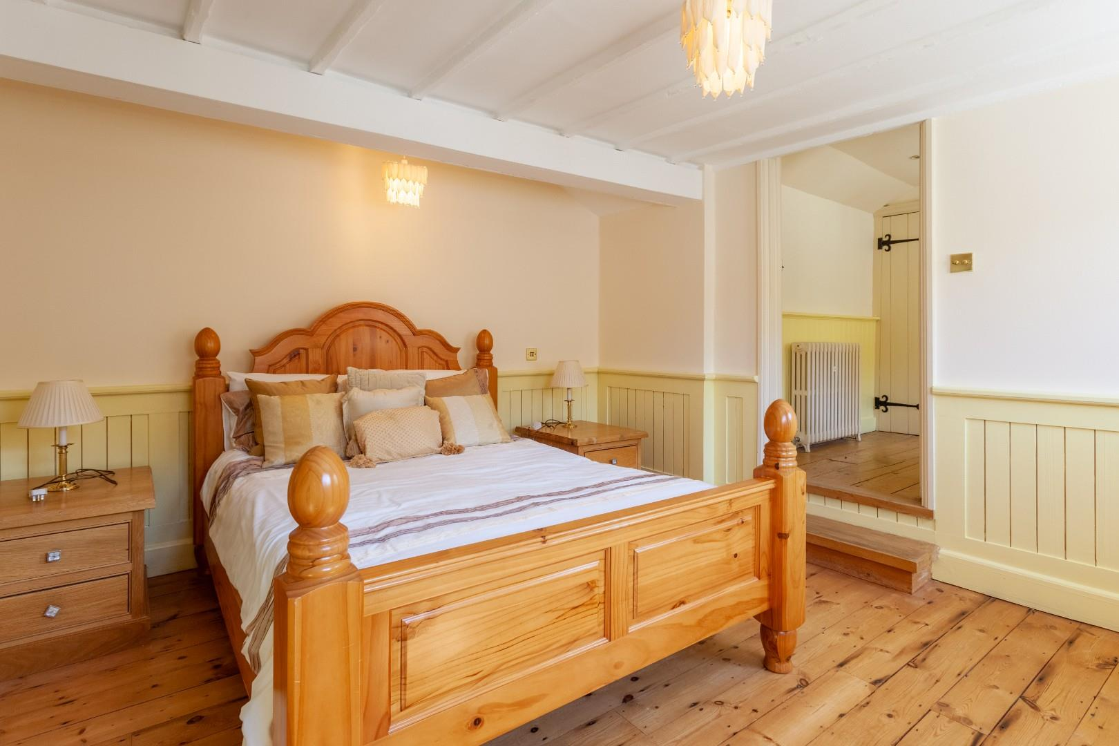 Bedroom vi (1 of 1).jpg