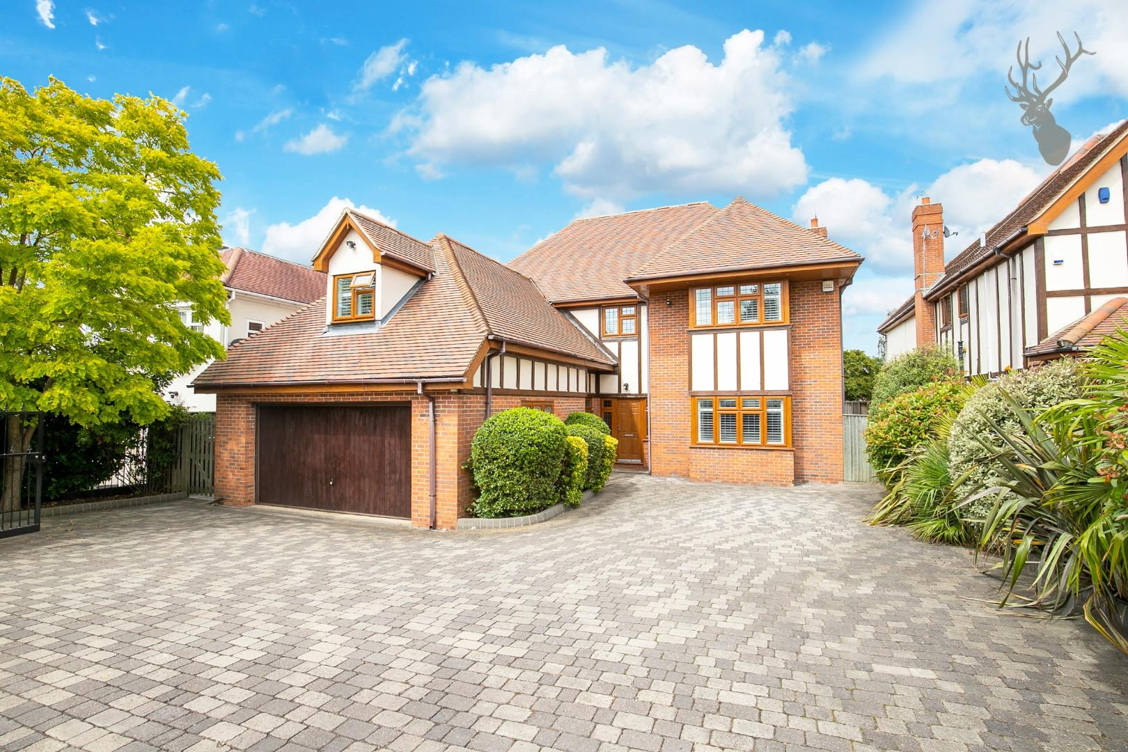 Tomswood Road  Chigwell  IG7