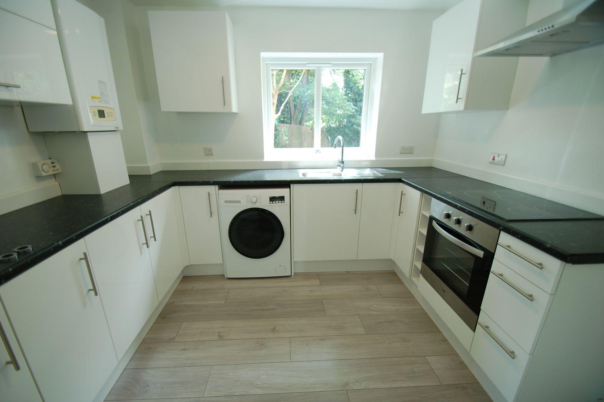 Photo 2, Wheatley Close, Hendon, NW4