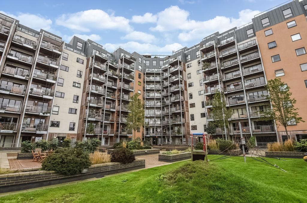 Seren Park Garden, Restell Close - Maze Hill  Greenwich  SE3