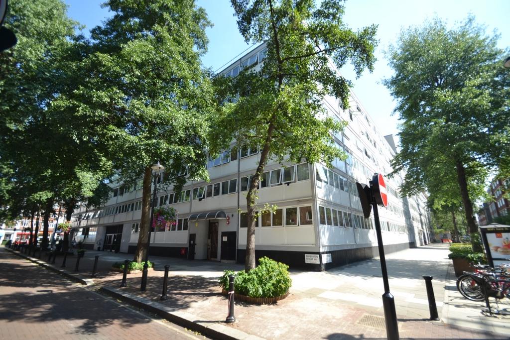Clipston Street  Regent's Park - Great Portland Street  W1W