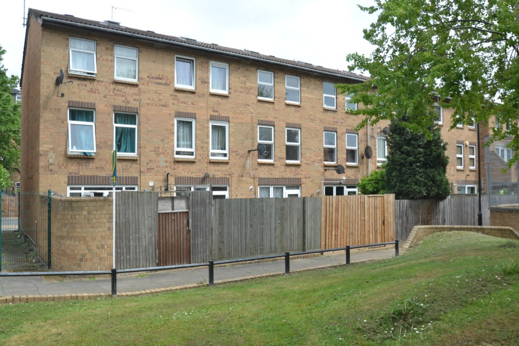 Langford Close  Hackney  E8