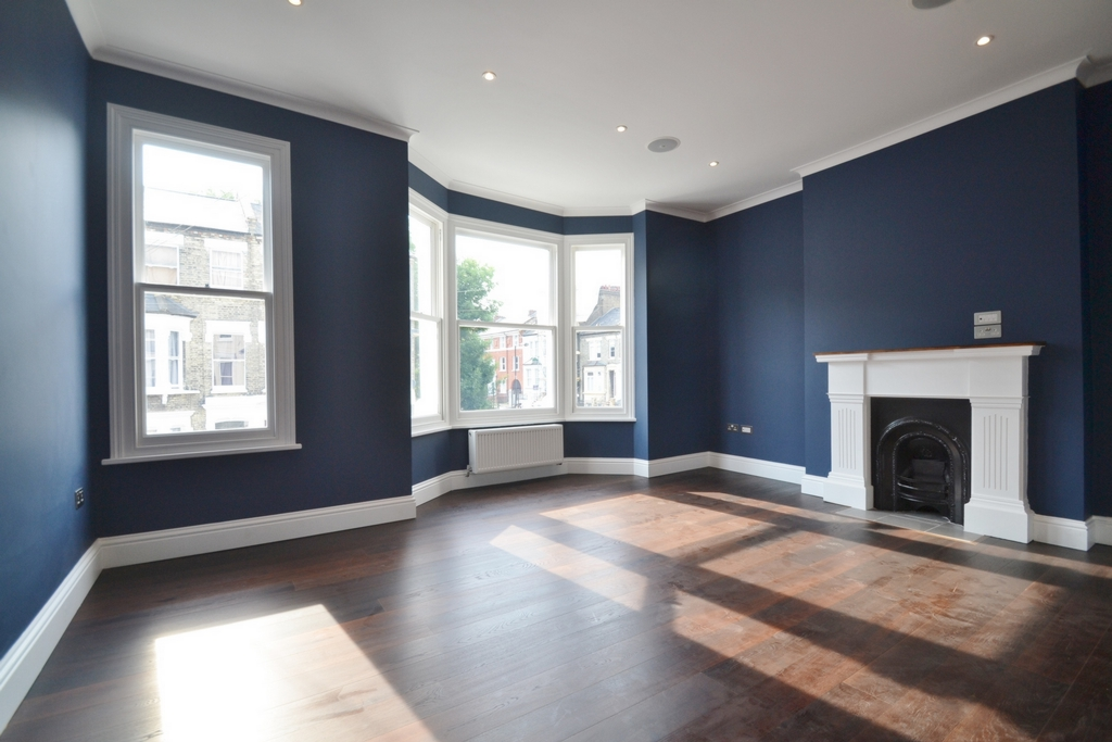 Kelvin Road  Amazing Four Bedroom House in Highbury & Islington  N5
