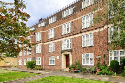 Fairfield Drive  Wandsworth  SW18