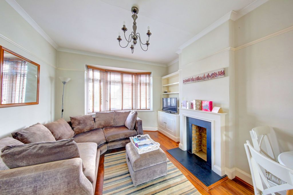 Godley Road  Earlsfield  SW18