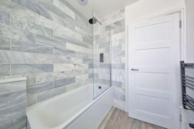 Garratt Lane  Earlsfield  SW18
