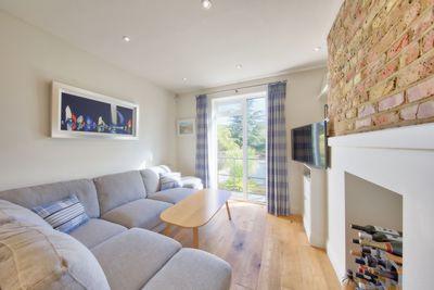Lydden Grove  Wandsworth  SW18