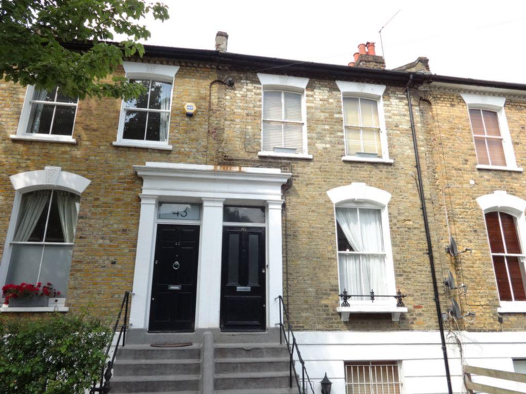 Queen Margaret Grove  London  N1