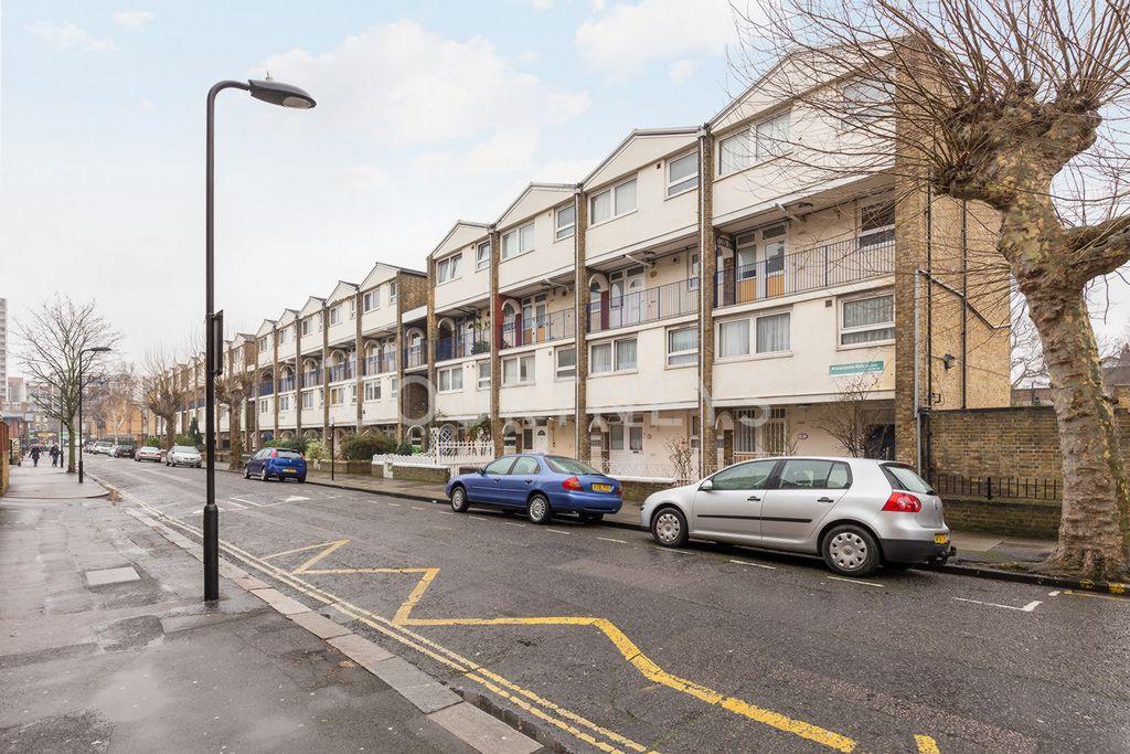 Tottenham Road  Dalston  N1