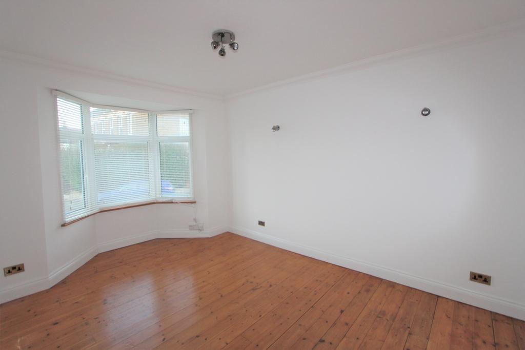 Oval Road  East Croydon  CR0
