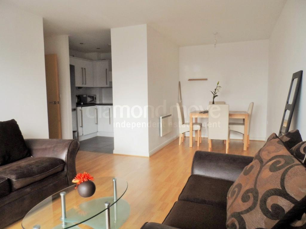 Lounge/Dining Area -