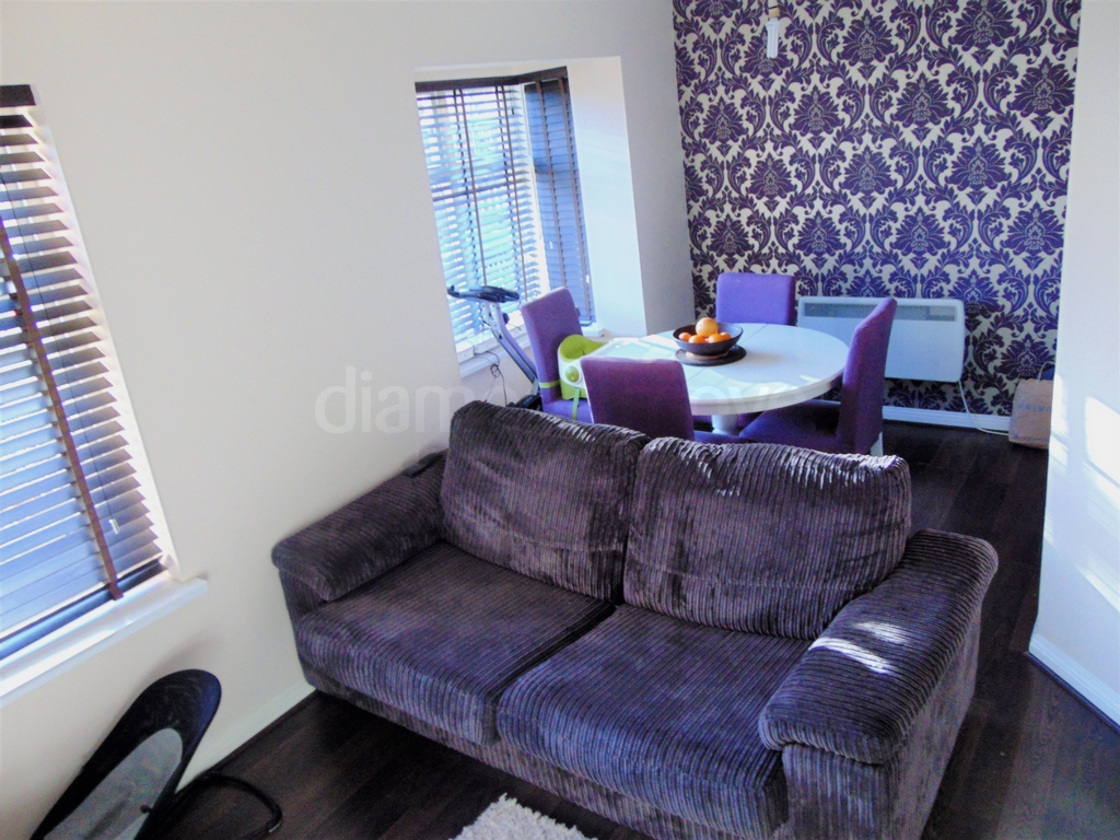 Lounge/Dining Area -