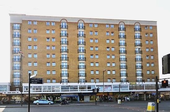 High Street  Hounslow  TW3