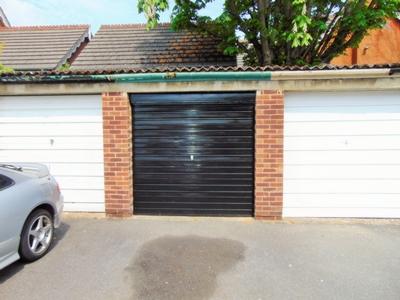 Garage/Parking -