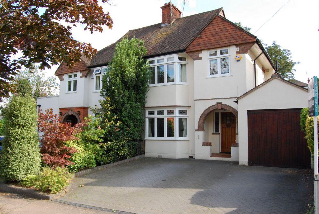 Amberley Road  Buckhurst Hill  IG9