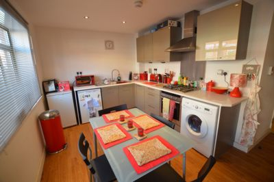 OPEN PLAN KITCHEN - LIVING, Avenue Road Extension, Leicester, LE2