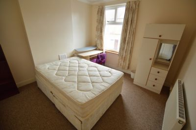 BEDROOM, Westbury Road, Clarendon Park, LE2