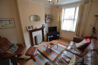 LIVING ROOM, Cecilia Road, Leicester, LE2