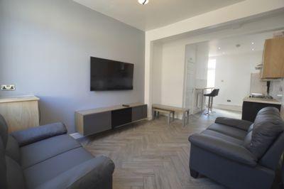 LIVING ROOM, Leopold Road, Clarendon Park, LE2
