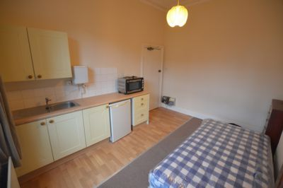 BEDSIT, Malvern Road, Leicester, LE2