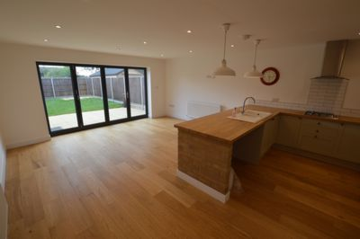 KITCHEN/OPEN PLAN DINING AREA