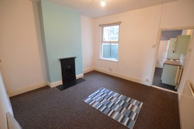 LIVING ROOM, Shakespeare Street, Aylestone, LE2