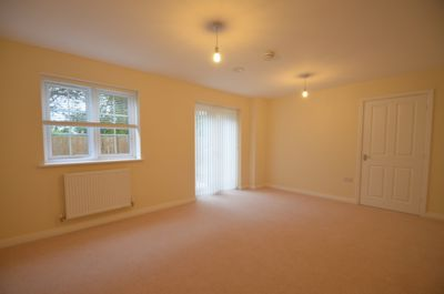 LOUNGE, Border Close, Glenfield, LE3