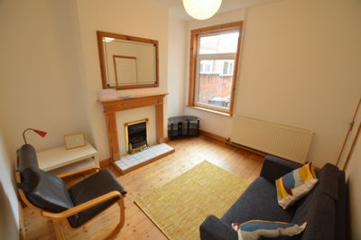 LIVING ROOM, Chaucer Street, Leicester, LE2