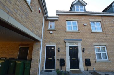 FRONT, Riseholm Close, Braunstone, LE3