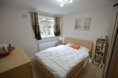 BEDROOM, Stoughton Road, Stoneygate, LE2